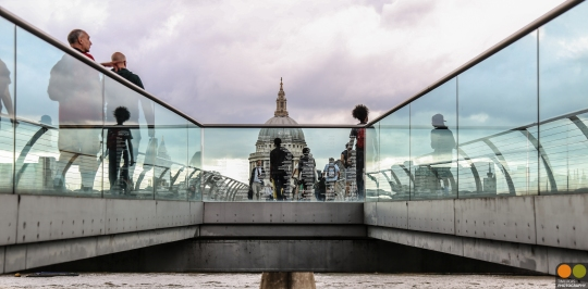 saint-pauls-cathedral-with-millennium-bridge_19330353174_o